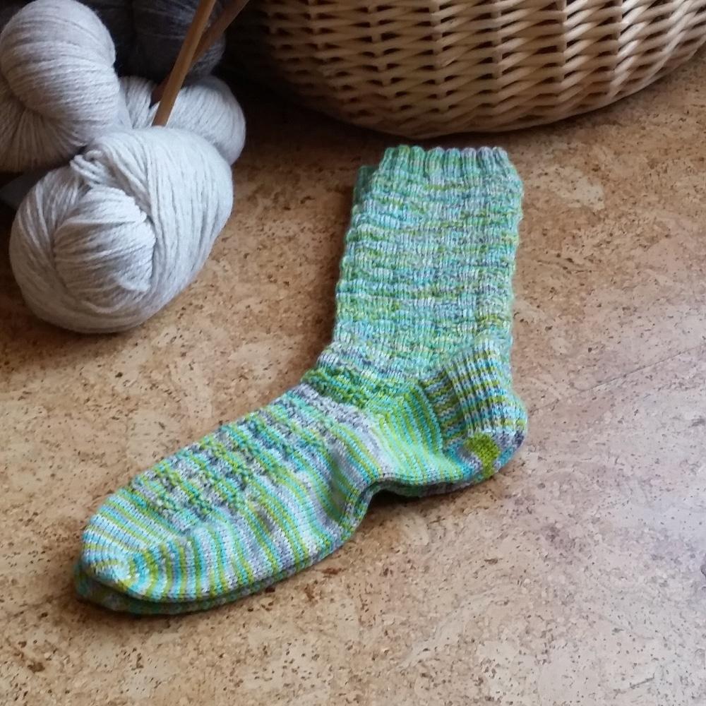 Hand Knit  Alpaca Wool Socks Women,s  Medium  7-9 Spring Green /& Daffodil Yellow FREE Shipping Offer